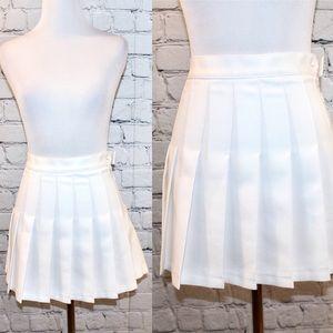 American Apparel white pleated mini skirt